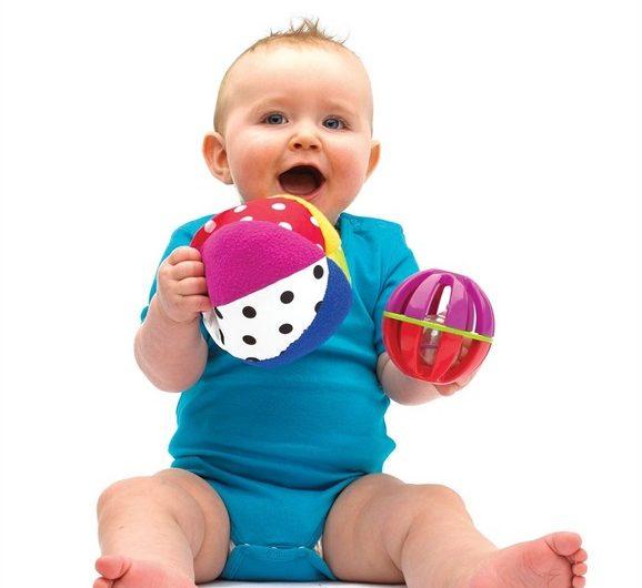 Что умеет ребёнок в 5 месяцев: развитие и сон малыша