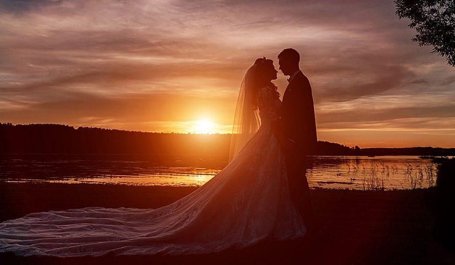 Как называется 15 лет свадьбы и что не него дарить