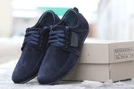 С чем носить синие мужские туфли: особенности и преимущества синих туфель