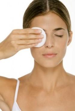 Делайте специальные маски и компрессы для роста бровей