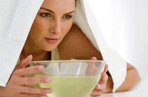 Перед выдавливанием черных точек обязательно распарьте кожу лица